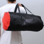 10837-1314957473-duffle-bag-05.jpg