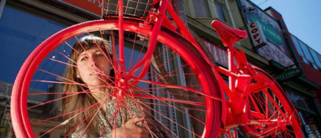 Stari bicikli kao ukras grada