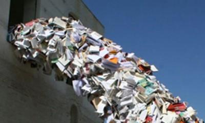 Knjige napadaju