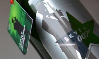 James Bond pije Heineken