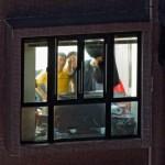 Gledanje kroz prozor