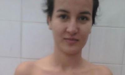Pokazala gole grudi i nestala