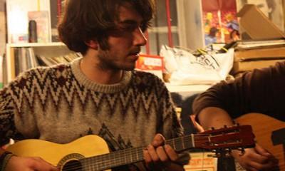 Gitara je tajna muvanja