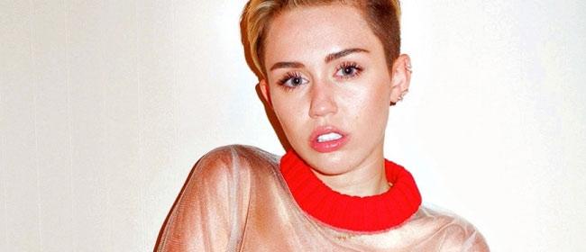 Miley Cyrus toples i još ponešto