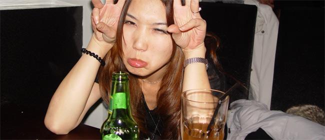 5 (potpuno pogrešnih) mitova o alkoholu