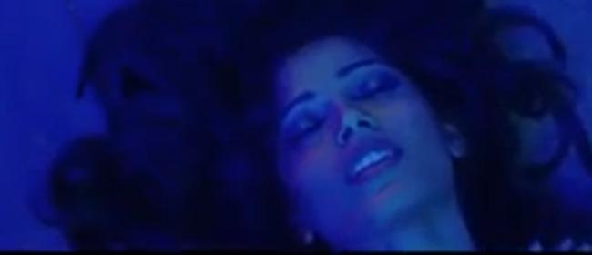 Frida Pinto je striptizeta