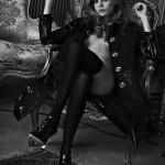 Cara Delevingne, gola i prelepa na crno belim snimcima