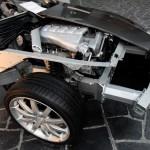 Aston Martin - Presečen na pola