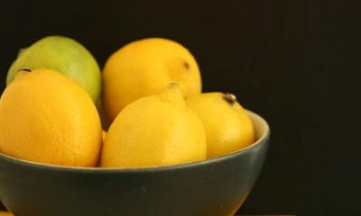 Mlaka voda sa limunom je pravi lek