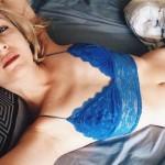 Najbolje fotke devojaka u krevetu