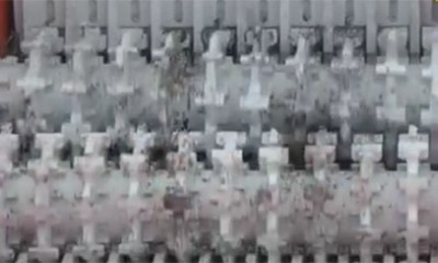 Mašina koja jede blokove motora će vas hipnotisati