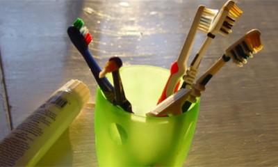 Da li je čišćenje zuba koncem stvarno važno?