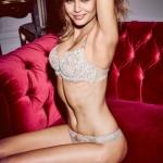 Vrela Dankinja u Victoria's Secret vešu