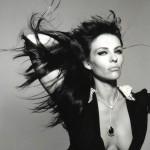 Elizabeth Hurley u Glamour magazinu  %Post Title