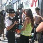 Policija rasterala polugole devojke  %Post Title