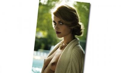 Anna pokazala gole grudi