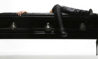 Mrtvačka sofa  %Post Title