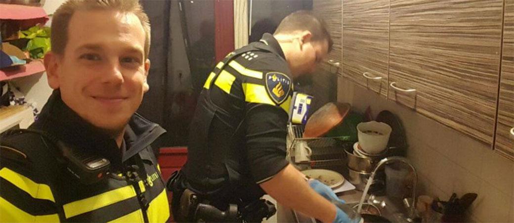 Slika: Policajci spremili doručak klincima