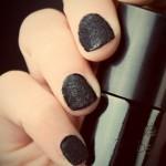 Čupavi lak za nokte