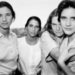 4 sestre se slikale 36 godina  %Post Title