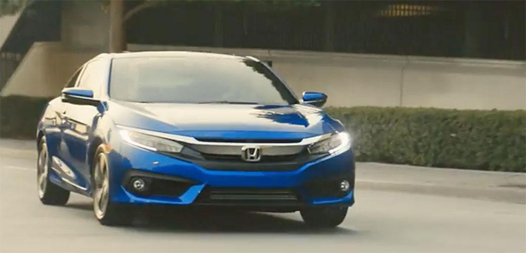Slika: Kockasta Honda reklama