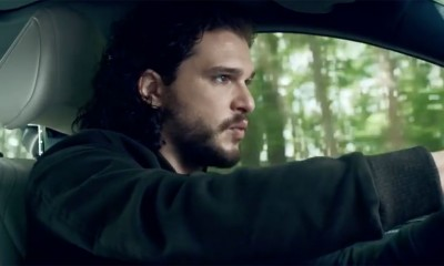 Šta to reklamira Jon Snow?