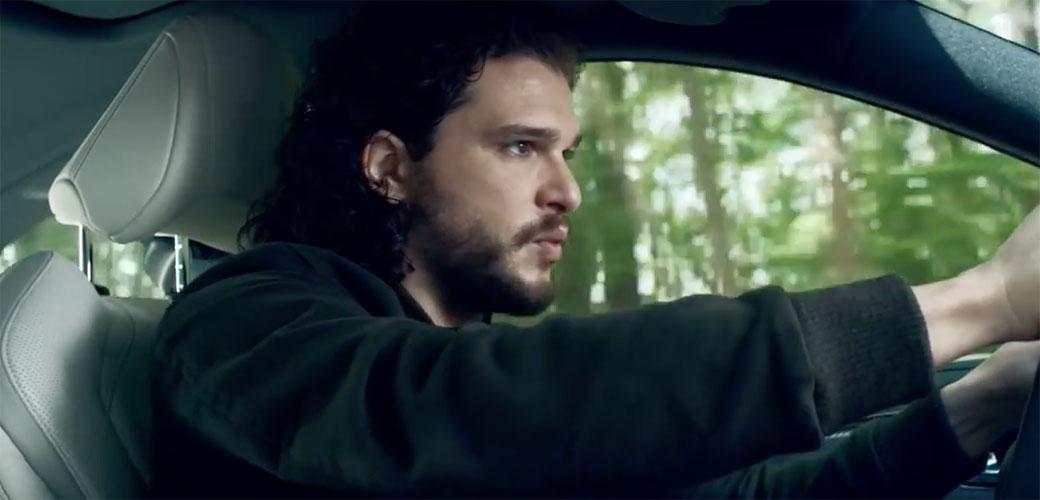 Slika: Šta to reklamira Jon Snow?