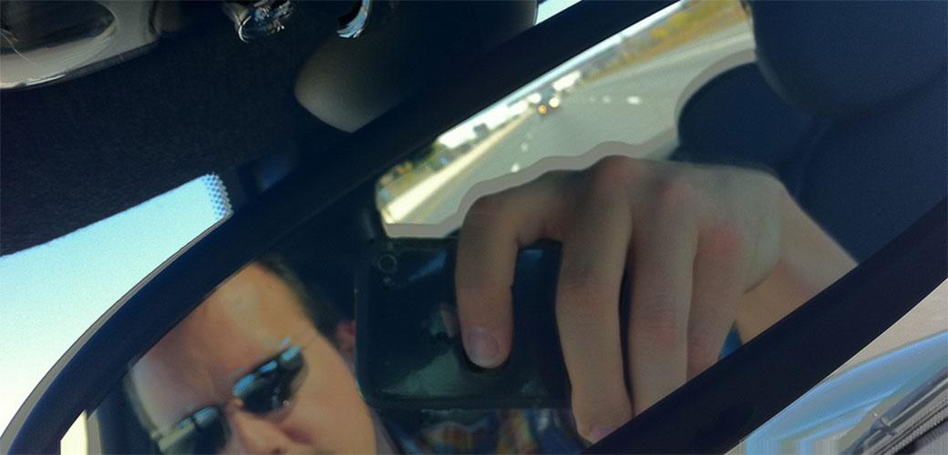 Slika: Zašto ljudi koriste telefon za vreme vožnje