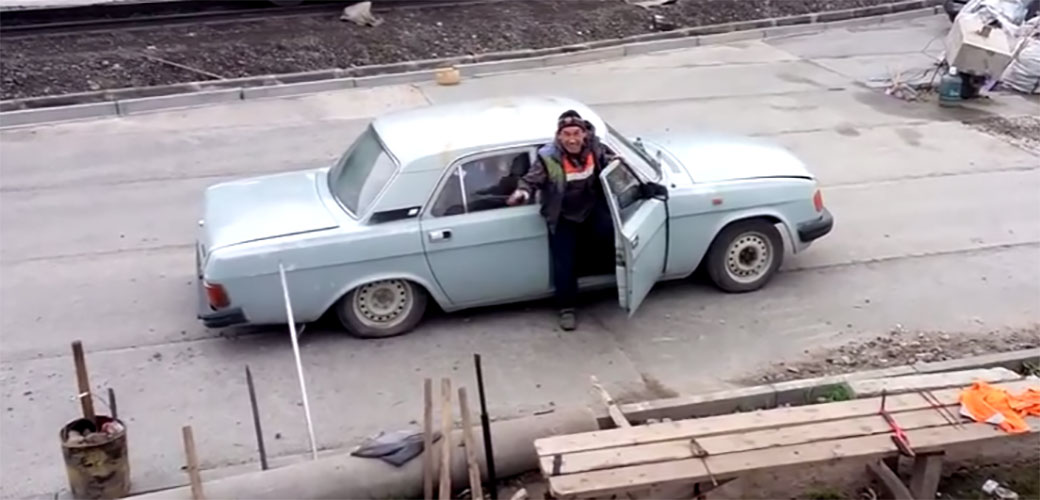 Koliko Rusa staje u jedan auto?