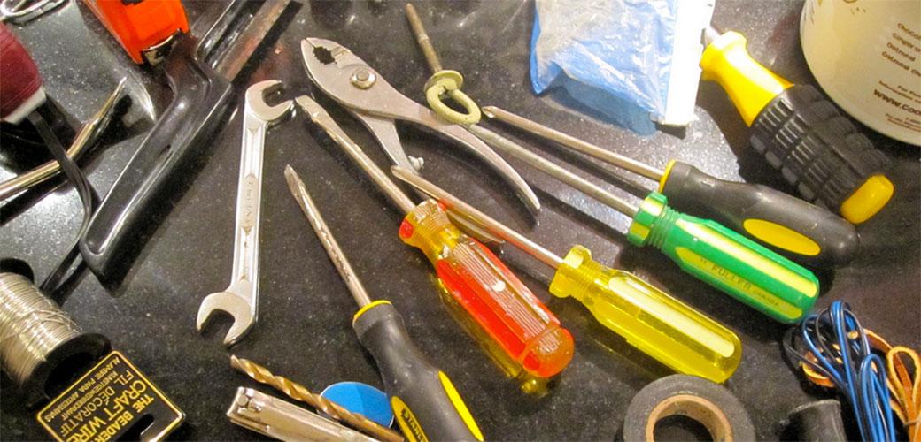 Nesposobni: Trećina mladih ne ume da zameni sijalicu