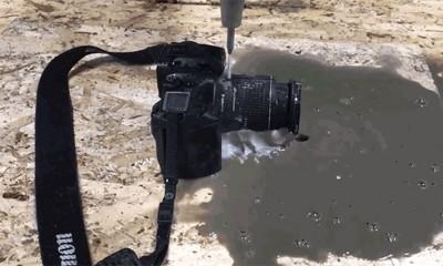 Ono kad voda iseče foto aparat  %Post Title
