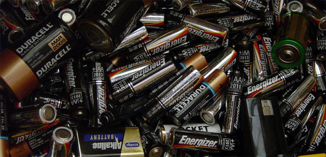 Zašto uopšte eksplodiraju baterije?