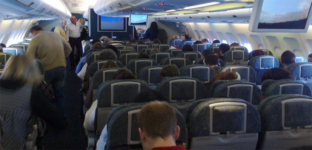 Slika: Zašto su sedišta u avionu skoro uvek plava