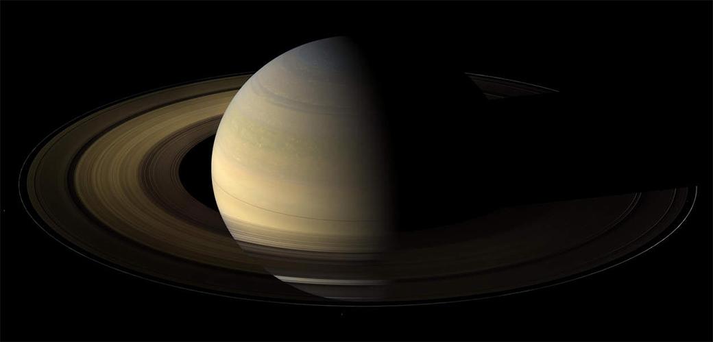 Cassini završio misiju i poslao čudesne fotografije za kraj