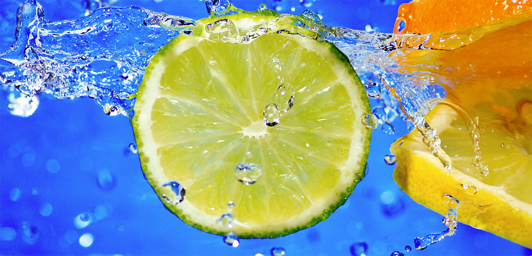 Slika: Detoksikacija limunom i toplom vodom je obična budalaština