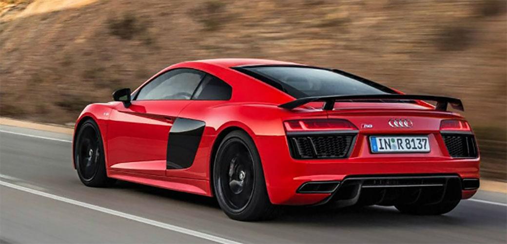 Audi uz R8 daje poklon