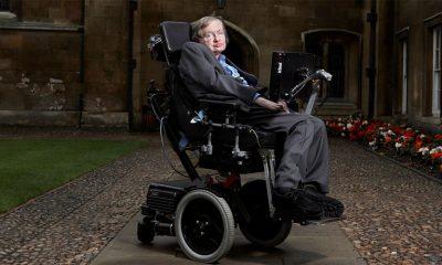 Umro je Stephen Hawking