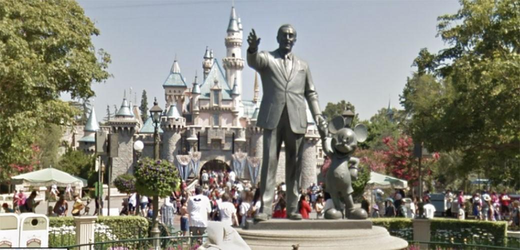 Posetite Disneyland! Na Street Viewu!