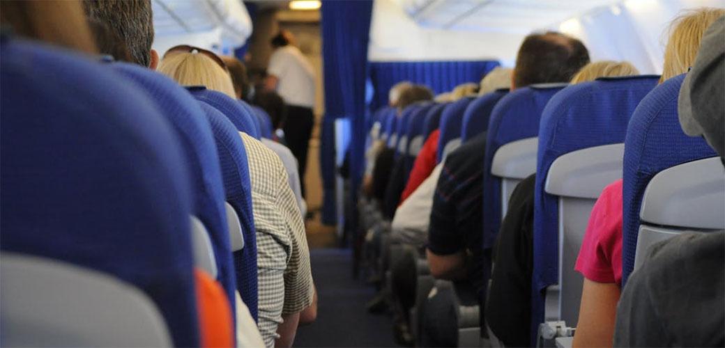 Zašto su sedišta u avionu skoro uvek plava?