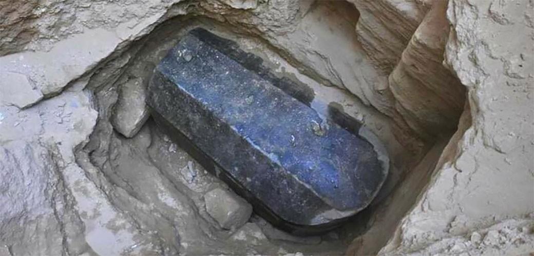 Otvoren misteriozni crni sarkofag iz Aleksandrije