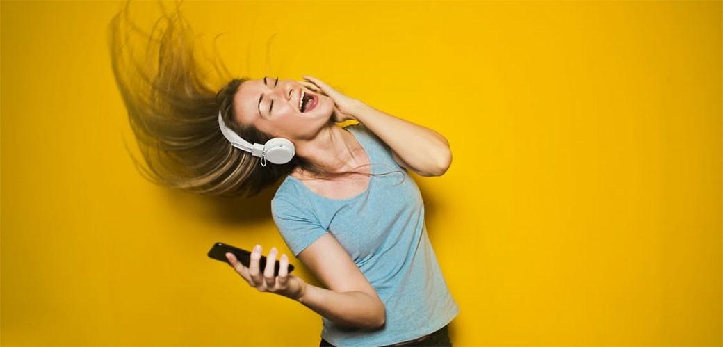 Evo kada prestajete da slušate novu muziku