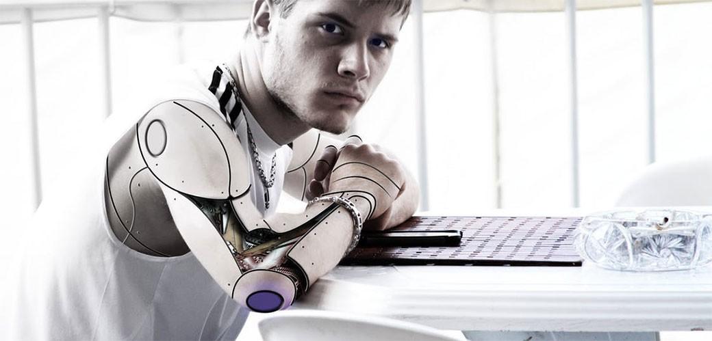Roboti sada prepoznaju ko je gej
