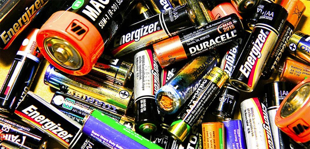 Da li držite stare baterije u fioci?