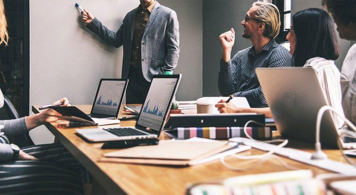 10 trikova da izgledate pametno na sastancima