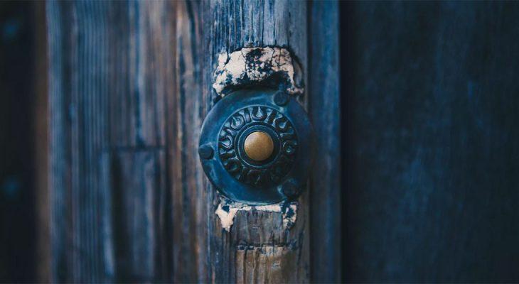 Mladi više ne zvone na vrata
