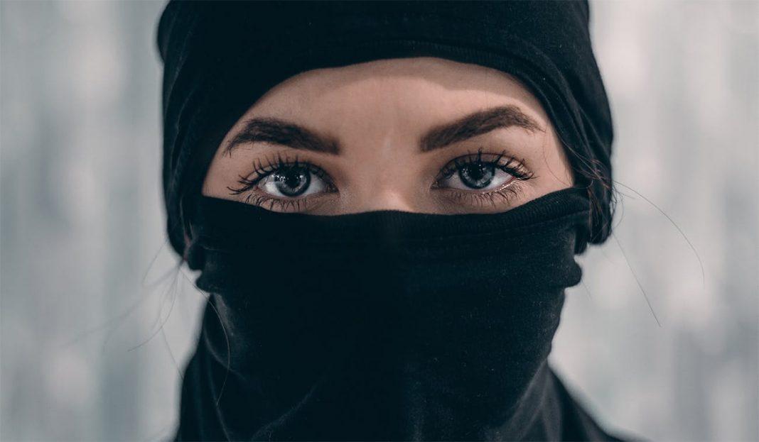 dizajnerske-maske-za-lice