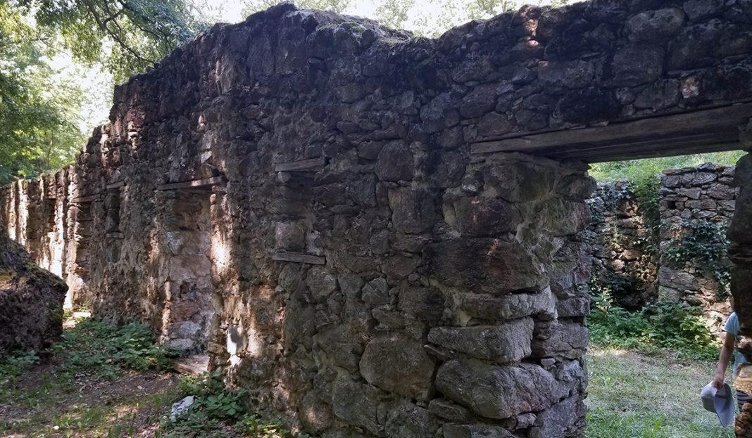 manastir-kasteljan